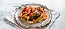 Kozice iz pećnice s mrkvom, paprikom i brokulom