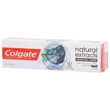 Colgate Naturals Extracts Charcoal+white pasta za zube 75 ml