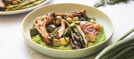 Pečena janjetina sa zelenim povrćem i pire od graška